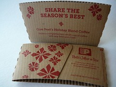 SHARE THE SEASON'S BEST Give Peet's Holiday Blend Coffee (Majiscup - 紙杯帶你看世界) Tags: holiday coffee seasons tea best give sleeve share peets blend the