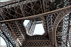 Tour Eiffel (Marco.db.) Tags: paris france tower torre tour steel eiffel toureiffel torreeiffel francia parigi