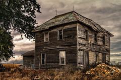 K7_22763 (Bob West) Tags: ontario abandoned cloudy oldhouse k7 tamron2875f28 southwestontario bobwest