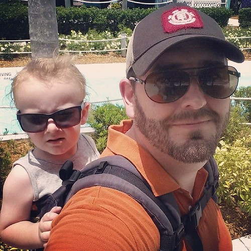 Loom at these two sexy guys right here! #babywearing #babywearingdad #beard