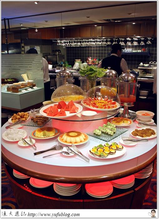 台北 吃到飽 飯店自助餐 歐式自助餐 Buffet 高CP值 翠玉白菜 變型金剛4 昆凌