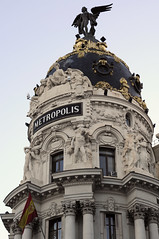 Madrid / Spain: Metropolis (wwwuppertal) Tags: madrid architecture evening abend twilight spain hauptstadt espana architektur metropolis dmmerung spanien granvia castilla capitalcity afnikkor50mmf18d kastilien nikond90 afnikkor50mm118d afdnikkor1850mm