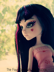 Draculaura 333 (5) (eneida_prince) Tags: photo doll photos vampire mh mattel monsterhigh draculaura osalina