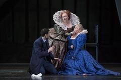 Opera Essentials: Maria Stuarda