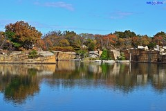 DSC_0324n  wb (bwagnerfoto) Tags: usa landscape landschaft halibut point lake autumn colors color september tjkp sz outdoor nature reflection sky massachusetts new england