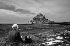 Notre Mont inspire un viellard Japonnais (antoine.ybert) Tags: mont saint michel black white france noramndie normandie noir blanc nikon d7100 sigma f18