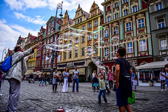 Wroclaw (Grgoire Parker) Tags: wroclaw poland pologne granny children kids street nikon d5300 bubble joy