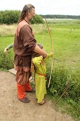 240 Haithabu WHH 17-07-2016 (Kai-Erik) Tags: geo:lat=5449026637 geo:lon=956608068 geotagged haithabu hedeby heddeby heiabr heithabyr heidiba siedlung frhmittelalterlichestadt stadt wikingerzeit wikinger vikinger vikings viking vikingr huser vikingehuse vikingetidshusene museum archologie archaeology arkologi arkeologi whh wmh haddebyernoor handelsmetropole museumsfreiflche wall stadtwall danewerk danevirke danwirchi oldenburg schleswigholstein slesvigholsten slesvigland deutschland tyskland germany 8sommermarkt hndler handwerk handwerker markt wikingermarkt marktgeschehen 17072016 17juli2016 17thjuly2016 07172016 httpwwwhaithabutagebuchde httpwwwschlossgottorfdehaithabu