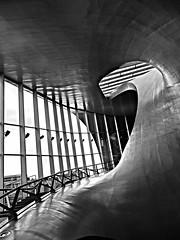 Station Arnhem / Curves and lines (jo.misere) Tags: arnhem station bw zw lijnen lines