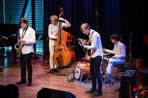 MajankaFotografie_17 Olivier van Niekerk Trio feat. Frank Groenendijk_MF44195.jpg