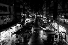 Night Market Romance (Wilson Au | ) Tags: fujifilmxe2 xf1855mmf284rlmois fujinon monochrome blackandwhite hongkong ladiesmarket   mongkok fujifilm night rain