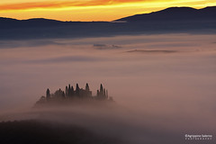 Awakening in the mist (Agrippino Salerno) Tags: valdorcia tuscany italy fog misty sunrise morning countryfarm trees poderebelvedere hills colors agrippinosalerno canon manfrotto