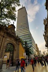 Torre Latinoamericana II (Pablo Leautaud.) Tags: mexico mexicocity cdmx centro granangular wideangle ultra urban urbano pleautaud torre latinoamericana torrelatino ejecentral