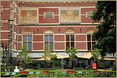 Le parc  droite et la faade du Rijksmuseum, Amsterdam, Nederland (claude lina) Tags: claudelina nederland netherlands paysbas hollande amsterdam architecture muse museum facade rijksmuseum jardin garden