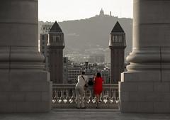 Dos (Fabrizio Ridolfo) Tags: barcelona red two love couple holidays barca el espana font raval magica mediterrean catalunja