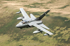 Tornado GR4 past Bluebell (Dan Kemsley) Tags: wales canon force air jet royal aeroplane british tornado bluebell 100400mm raf aero lowlevel sqn panavia gr4 bwlch machloop lowfly 50d lfa7