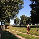Nackter Spaziergang in Himmelgeist / Nude hiker in Himmelgeist thumbnail