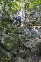 Sentier du Vaillant (Guimbi) Tags: hiking hike randonnée montwright guimbiproduction randonneepedestre guimbi sentierduvaillant sentierdelaforêtancienne parcdelaforêtanciennedumontwright