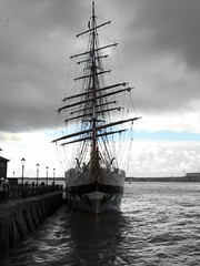 Stavros S Niarchos head on. (DianneB 2007.) Tags: liverpool docks sailing tallship stavrossniarchos tallshipsyouthtrust