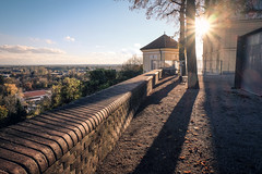 Fuji XM-1 Sample III. (Adam Haranghy) Tags: camera travel autumn light panorama test sunlight lens photo blog fuji walk herbst images sample fujifilm aussicht dslr dachau schloss altstadt kamera xm spaziergang 1650 xm1 sunflares interchangeable mirrorless 1650mm dslm