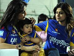 Viaan is the reason behind shedding my post pregnancy flab so quickly, says Shilpa Shetty! - http://www.bolegaindia.com/gossips/Viaan_is_the_reason_behind_shedding_my_post_pregnancy_flab_so_quickly_says_Shilpa_Shetty-gid-36710-gc-6.html (Devendra Sharma1) Tags: christmas bollywood movies celebrities gurgaon shilpashetty aishwaryaraibachchan blenderspridefashiontour2013 pankajandnidhi viaanrajkapoor