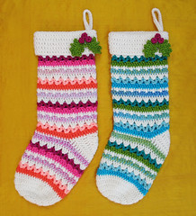 Free Crochet Pattern: Christmas Stockings (Gleeful Things) Tags: christmas pink blue orange white green diy sock aqua pattern berries handmade turquoise teal stripes crochet peach free holly sparkle yarn stocking zig zigzag tutorial zag