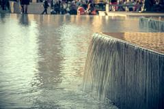 Agua (Juanedc) Tags: espaa water fountain spain agua fuente zaragoza plazadelpilar aragon es liquid semanasanta saragossa liquido passionweek