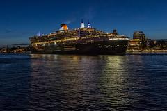 Queen Mary 2 - 0614 -V (KLX-650) Tags: longexposure night germany deutschland nacht harbour hamburg hafen schiff queenmary2 elbe nachtaufnahme hafencity cruisecenter elbphilharmonie marcopolotower