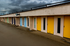 Beach huts / Cabines de plage (LuxFactory) Tags: beach beachhuts sky luxfactory clouds canon1300d canon outside