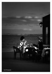 Las amigas (Girlfriends) (Imati) Tags: fuerteventura comida bar amigas pareja girlfriends