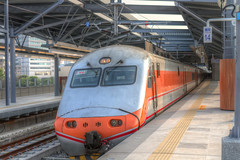 IMG_0504_506  HDR (vicjuan) Tags: 20161016 taiwan   taichung fongyuan  railway geotagged geo:lat=2425532 geo:lon=120724043  fongyuanstation hdr tonemapping  train