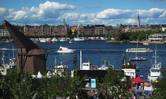 The Venice of the North :-) (Bosc d'Anjou) Tags: stockholm museumofmodernart modernamuseet ladugrdslandsviken sweden summer skeppsholmen skyline