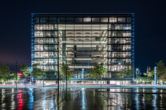 Headquarters (McQuaide Photography) Tags: copenhagen kbenhavn denmark danmark danish scandinavia europe sony a7rii ilce7rm2 alpha mirrorless 1635mm sonyzeiss zeiss variotessar fullframe mcquaidephotography adobe photoshop lightroom tripod manfrotto light night nightphotography longexposure city capitalcity urban lowlight architecture building outdoor outside kalvebodbrygge modernarchitecture modern thecrystal nykredit headquarters schmidthammerlassenarchitects freestanding detached environmentallyfriendly sustainable cube structure form shape geometry geometric illuminated capitalregionofdenmark regionhovedstaden reflection water fountain