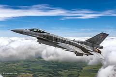 Flying with the Polish CJ Viper (xnir) Tags: paff16c f16 viper falcon aviation xnir military air2air outdoor flying flight