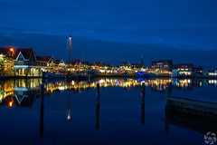 Volendam by Night (PaaulDvD) Tags: netherlands holland pays bas marken volendam waterland water sun sky colors typical fog light outside