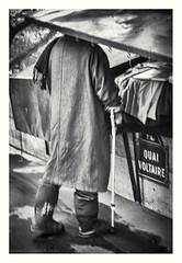 QUAI VOLTAIRE (s1nano) Tags: france paris headless man people street blackandwhite bw nikond60 bouquiniste bookseller