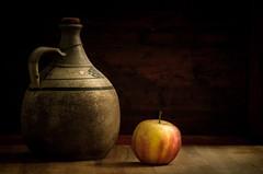 Jar and apple (Rense Haveman) Tags: pentaxk5 rensehaveman singleindecember2016 supertakumar105mmf28 stilllife fruit jar indoor apple light