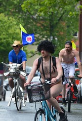 WNBR Bristol 2013 Environmentalist protest for better cycling safety (Le monde d'aujourd'hui) Tags: bike naked bristol ride protest safety cycle worldnakedbikeride wnbr 2013 2013world 2013wnbr bristolwnbr worldnakedbikeridebristolworld
