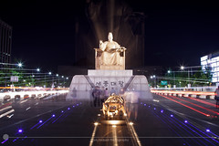 King Sejong the Great (MarkDeibertPhotography) Tags: monument statue night lights zoom korea seoul visitors southkorea gwanghwamun kingsejongthegreat gwanghwamunsquare