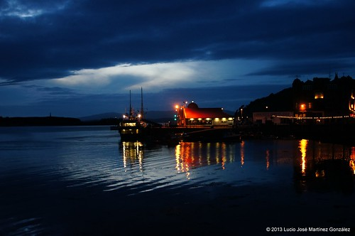 "Oban Harbour at Night • <a style=""font-size:0.8em;"" href=""http://www.flickr.com/photos/26679841@N00/9558143380/"" target=""_blank"">View on Flickr</a>"