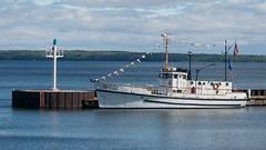 T-Boat (rexp2) Tags: boat greatlakes tugboat lakesuperior nationallakeshore afvrzoomnikkor80400mmf4556ded nikkor80400mmf4556dedafvr dxoviewpoint2