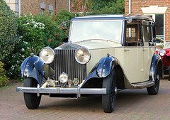 Vintage Beauty! (RiverCrouchWalker) Tags: uk greatbritain england beauty car vintage britain rollsroyce historic essex southwoodhamferrers