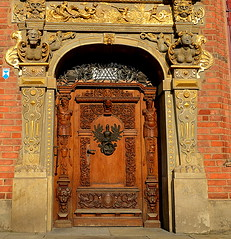 Antique doors to the building in the Old Town (elnina999) Tags: street city travel windows urban brick tower history architecture amber town coatofarms waterfront view cathedral symbol culture poland polska baltic medieval gargoyle ornaments goldengate townhall baroque oldtown renaissance gdansk danzig attraction historicalbuildings manholes reliefs rowhouses markethall sgraffito travelphotos greengate decorativefacade neptunestatue downspouts historicaldistrict oldcrane motlawariver oldclocks strawtower royaltract greatarsenal uphagenhouse nikond5100 antiquedetails elaboratecasings goldentenement arturcourt stuccodetails