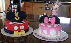 Mickey Mouse and Minnie Mouse Cakes by Jen and Michelle, Santa Cruz, CA, www.birthdaycakes4free.com