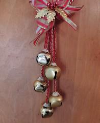 sh13 bells (Upupa4me) Tags: door bells silver gold ribbon hanger themonthlyscavengerhunt 1213sh13 sh13bells