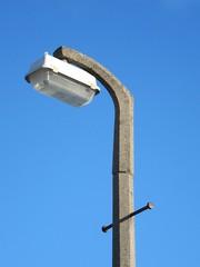 WRTL 2601, a modern day top-entry lantern, rarely seen in the UK (Lady Wulfrun) Tags: concrete scotland streetlight cu dundee streetlights column lantern streetlighting wrtl topentry ladderrests wrtl2601 wrtl2600