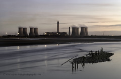 """""""Dawn on the River (Fiddlers Ferry Power Station) (Ray Mcbride Photography) Tags: sunrise seascapes silhouettes powerstation merseyside fiddlersferry rivermersey"""