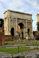 Colosseum & Forum Romanum (Lee Armstrong Jones) Tags: italy rome roma architecture canon italia roman forum colosseum saturn forumromanum 550d templeof romeamphitheater