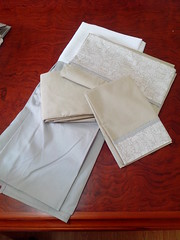 JOGO DE LENOL E SAIA DE BERO (Cecys Baby) Tags: branco de kit menina bero urso saia lenol classico ovelha lencol
