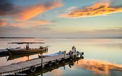 Sitting in the dock of the lake (Ignacio Ferre) Tags: spain espaa lake lago sunset atardecer paisaje landscape valencia albufera albuferanaturalpark muelle dock barca boat nikon lalbufera ngc